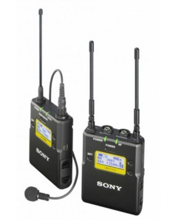 UWP-D11 Paketz brezžičnim mikrofonom ob pasu